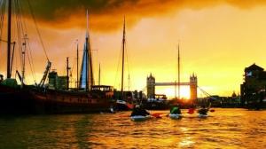 Kajakken 's nachts in Londen
