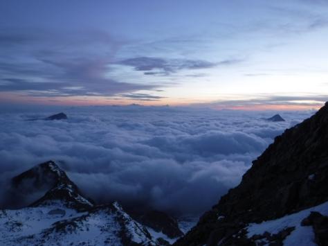 Uitzicht vanaf Gnifetti Hut met de Gran Paradiso in de verte
