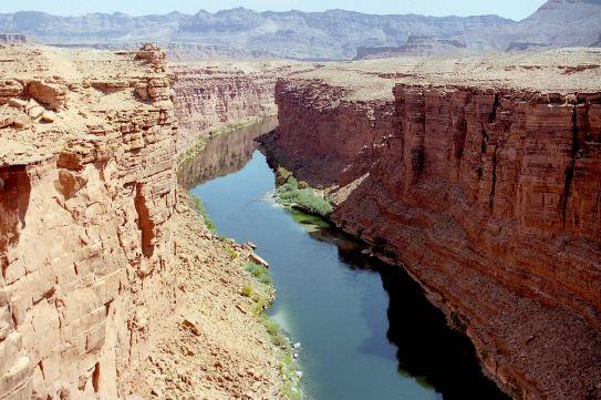 1280px-Colorado_River_08.jpg